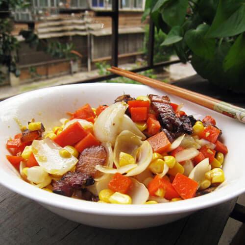 杂蔬炒咸肉