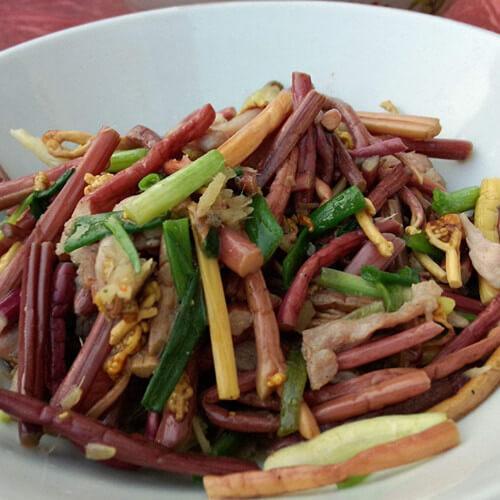 肉丝炒蕨菜