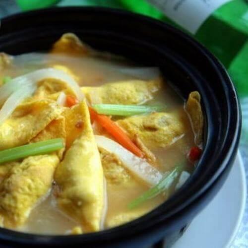 砂锅腐竹蛋饺煲