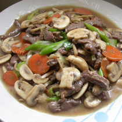 五花牛肉炒蘑菇