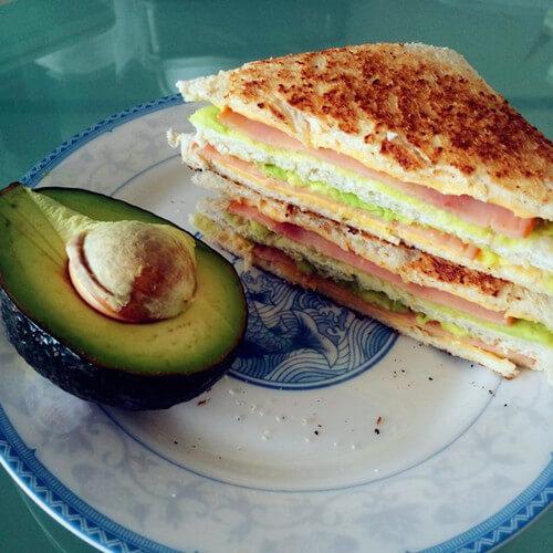 牛油果早餐三明治
