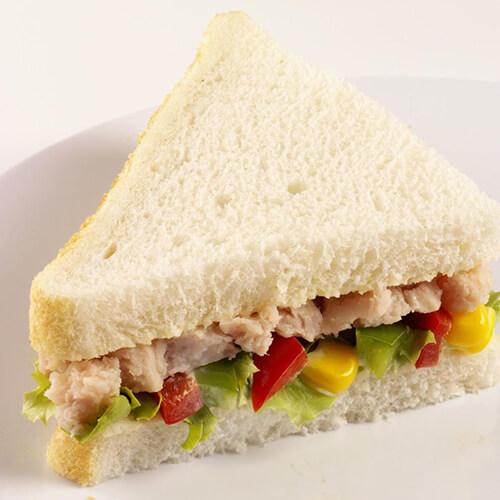 鲔鱼三明治