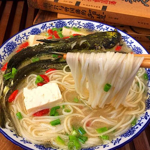 黄颡鱼汤面