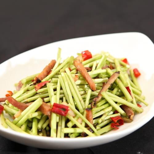 水芹菜香菇炒肉