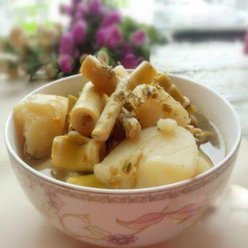 农家野笋炖土豆