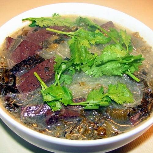 绝对一流的酸菜焖猪血