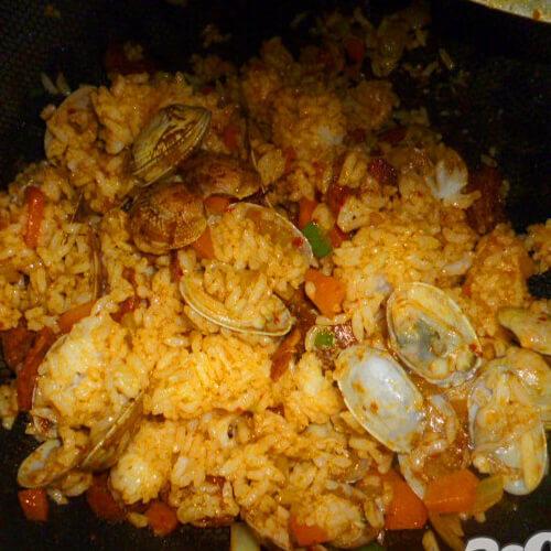 蛤蜊鸡蛋炒糯米饭