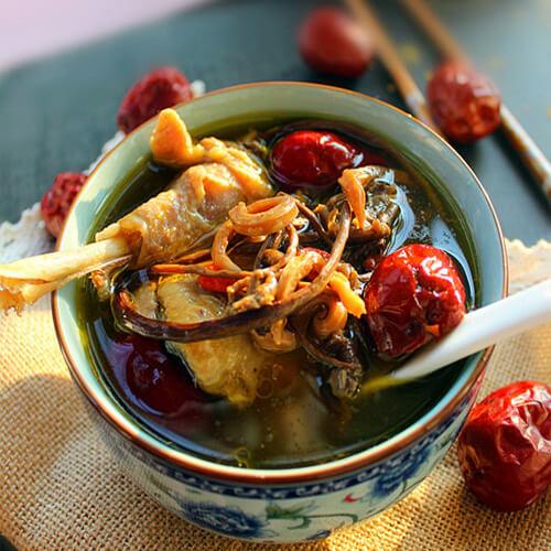 营养的茶树菇鸡汤