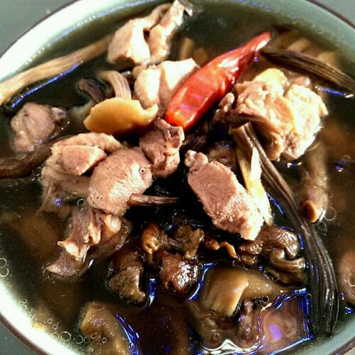 茶树菇烧老鸭
