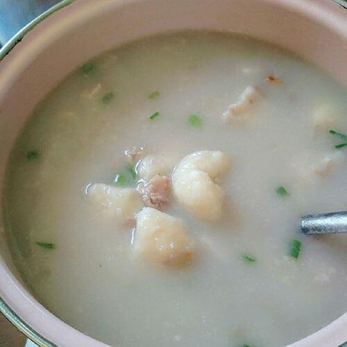 芋头溜肉片汤