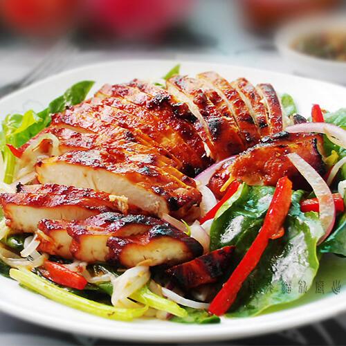绿豆鸡肉鲜果沙拉