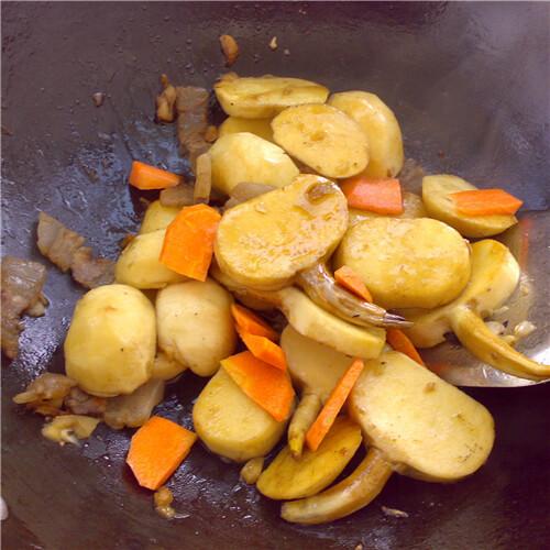 腊肠炒慈菇