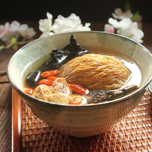 紫灵芝枸杞汤