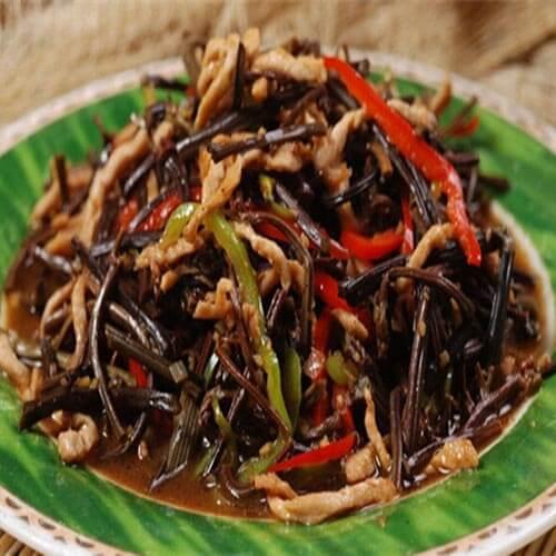 常吃不腻的肉丝炒蕨菜