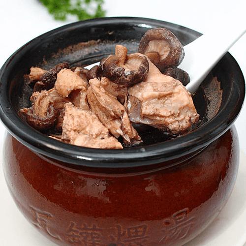 猪骨煲香菇浓汤