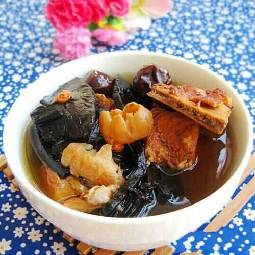 灵芝煲猪骨汤