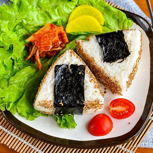泡菜素肉饭团