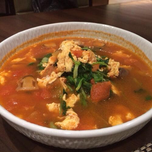 番茄鸡蛋豆苗汤
