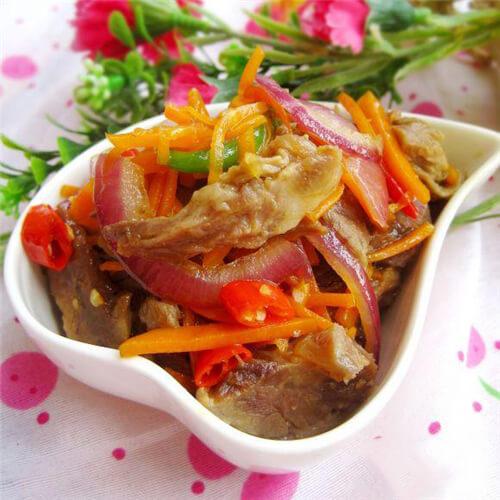 胡萝卜丝炒羊肉