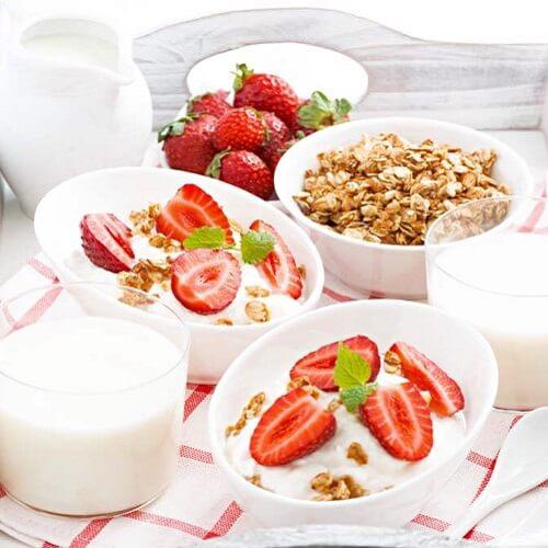 大果粒草莓酸奶