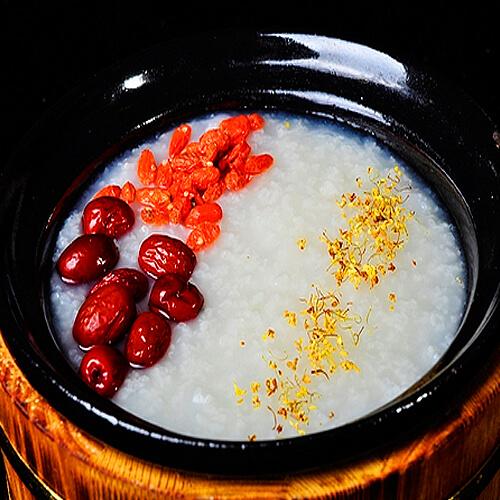 红枣枸杞燕麦粥