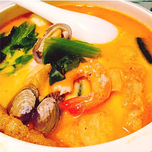 家常酸辣海鲜汤