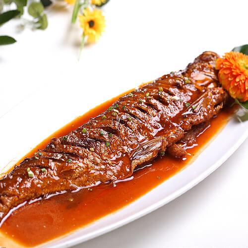 红烧白条鱼