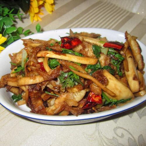 香辣鸡腿菇炒饼