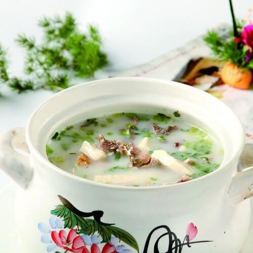 鸭架豆腐汤