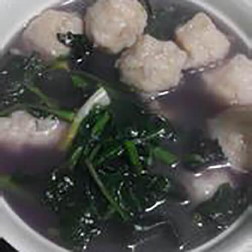 墨鱼丸紫背天葵汤