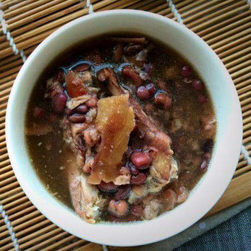 土茯苓煲赤小豆