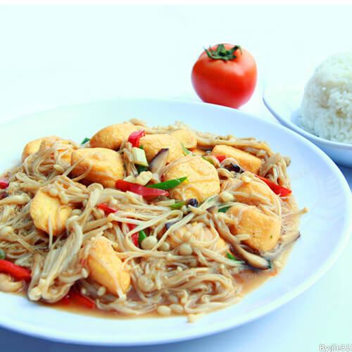 金针菇煨玉子豆腐