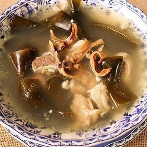 墨鱼海带炖鸡汤