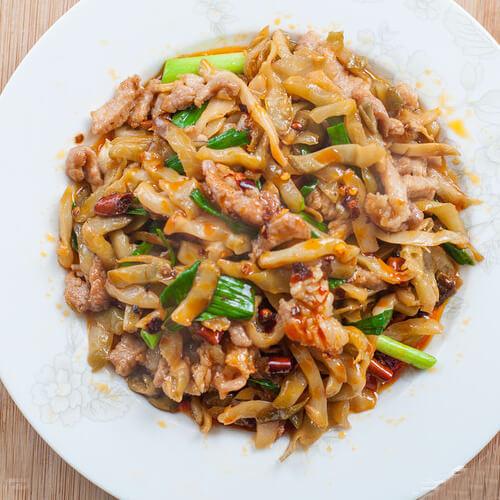 榨菜肉丝锅巴