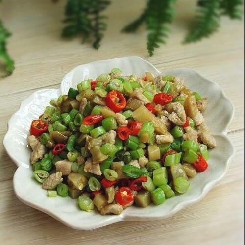 榨菜肉末四季豆