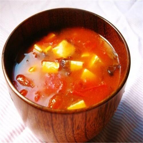 西红柿豆腐面条汤