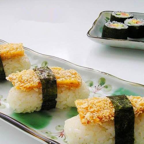 手握鸡排寿司
