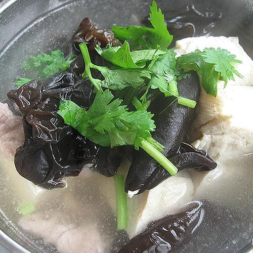 石耳肉片汤