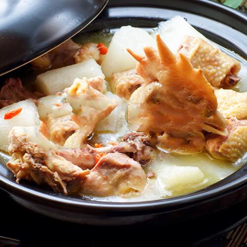 萝卜淮山炖鸡汤