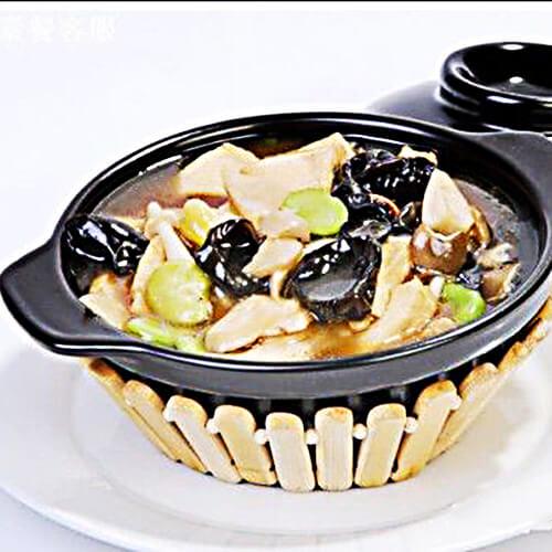 自制乌贼木耳蚕豆汤
