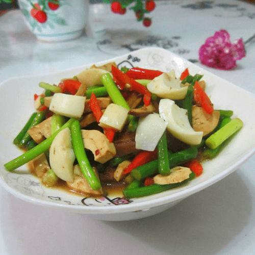 卤豆腐辣椒炒蒜苗