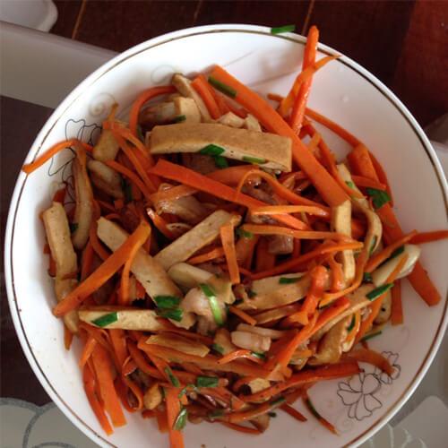 胡萝卜豆干炒肉丝