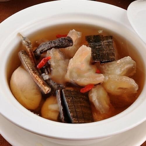 灵芝花胶炖瘦肉汤