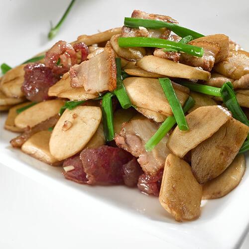 腊肉慈菇烧排骨