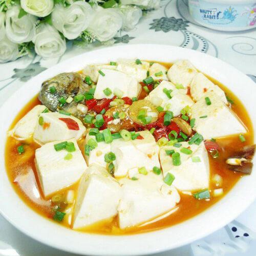 豆腐鲳鱼煲