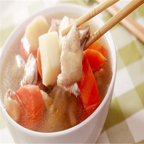 胡萝卜银耳鸡汤