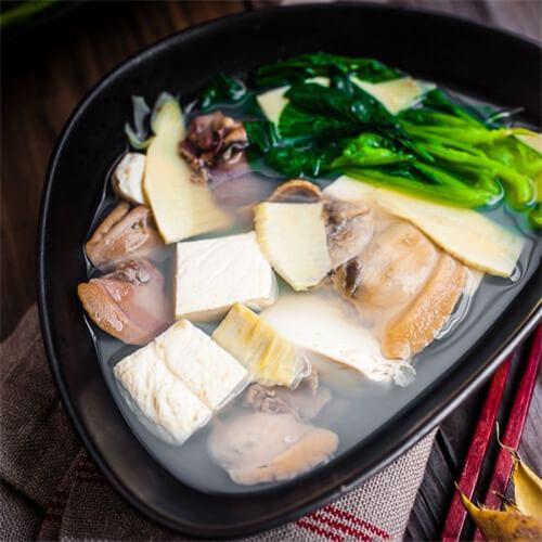河蚬豆腐汤