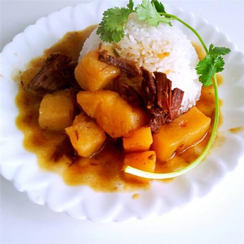 咖喱卤牛肉拌饭