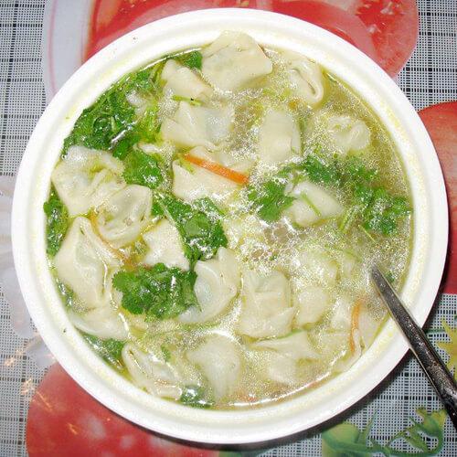 菠菜馄饨汤面