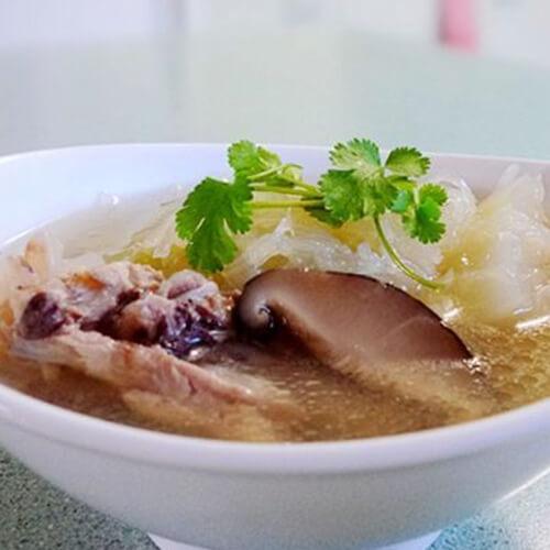 猪骨蚝豉鱼翅瓜汤